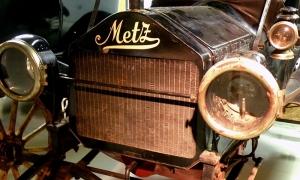 1913 Metz